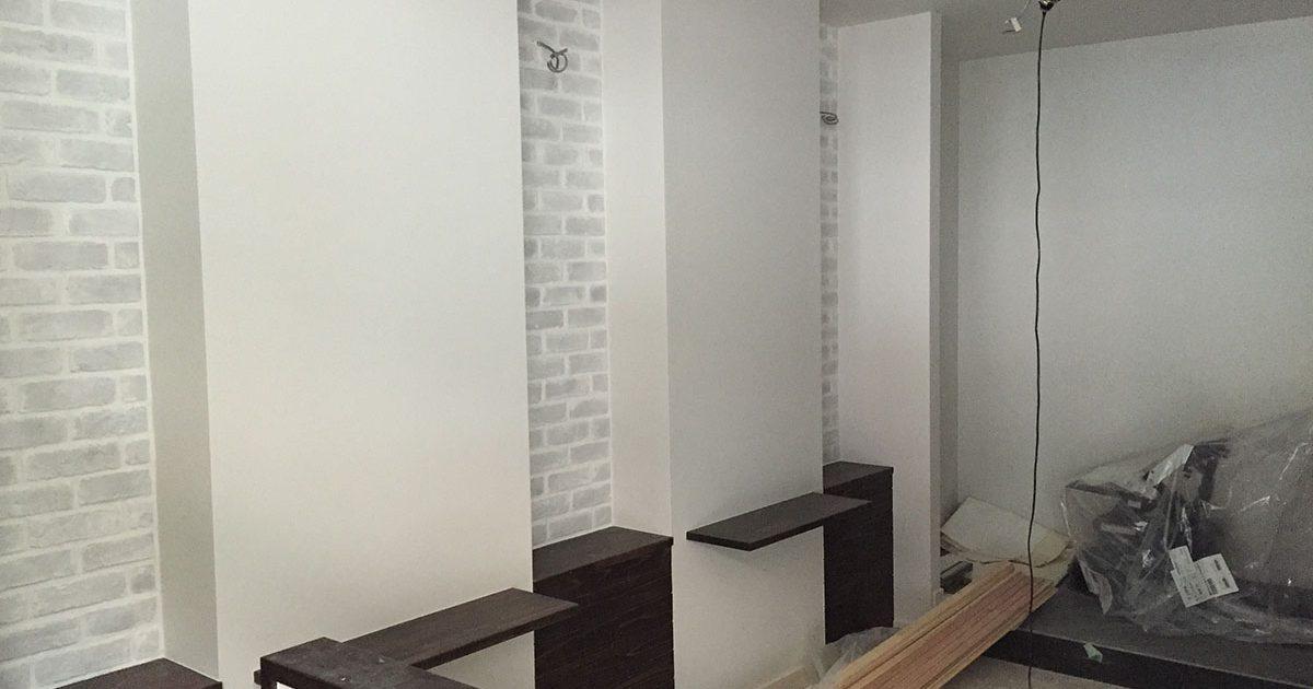 大阪梅田の美容室のクロス工事