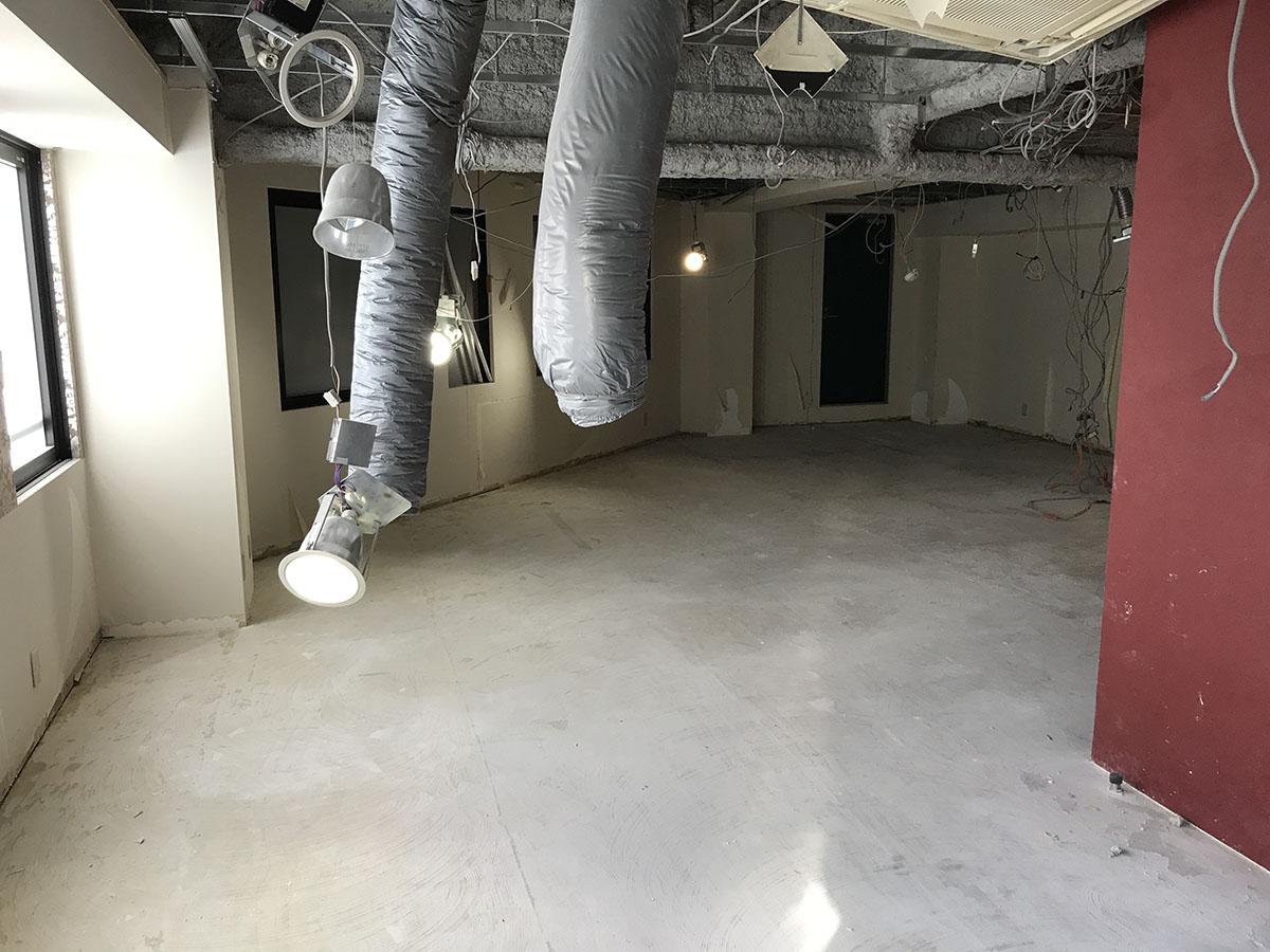 神戸三宮のスポーツジムの解体工事