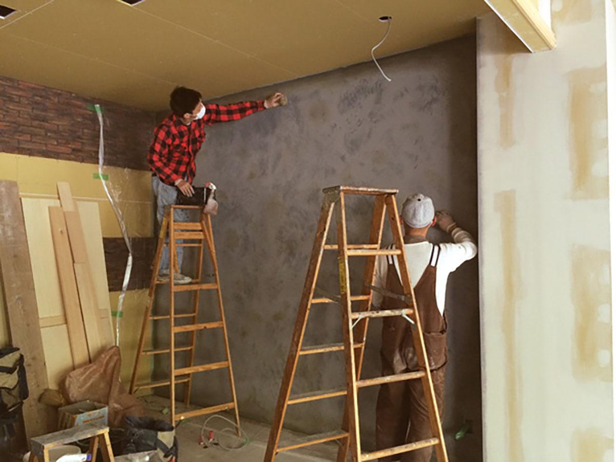 和泉中央の美容室のエイジング塗装の工事