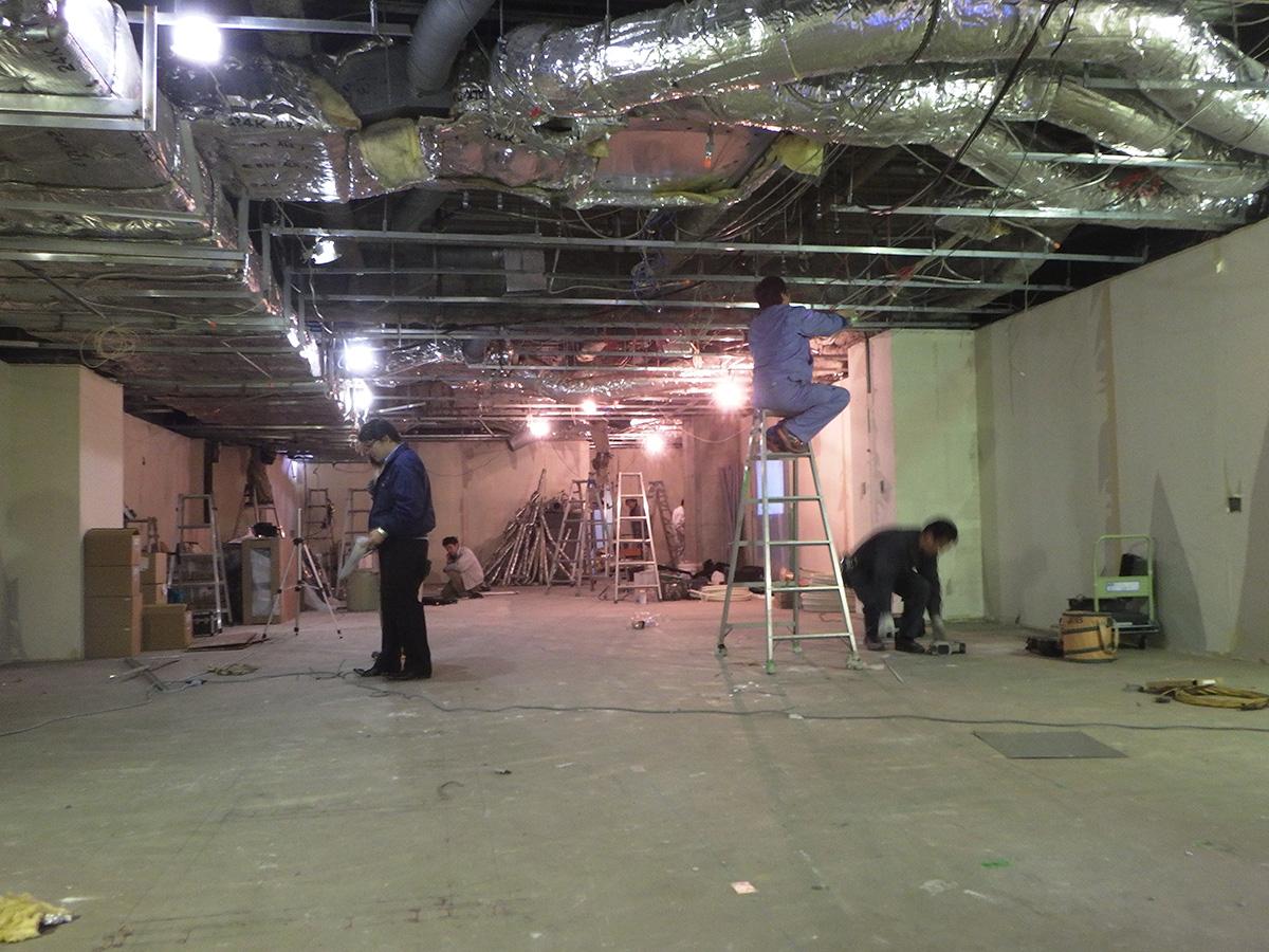和泉中央の美容室の空調設備の工事
