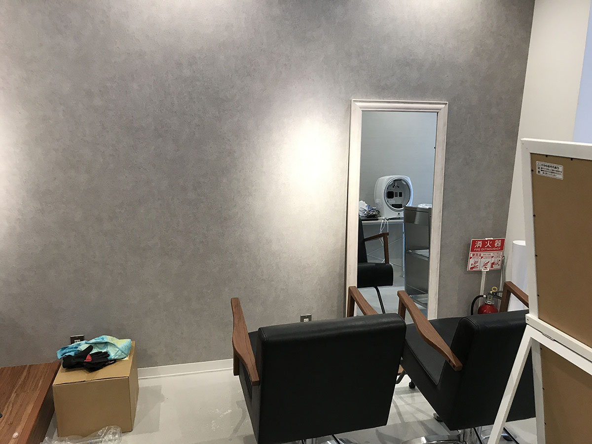 三田市美容室のクロス貼替え工事