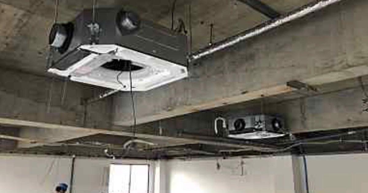 高槻市のエステサロンの空調設備の仕込み工事