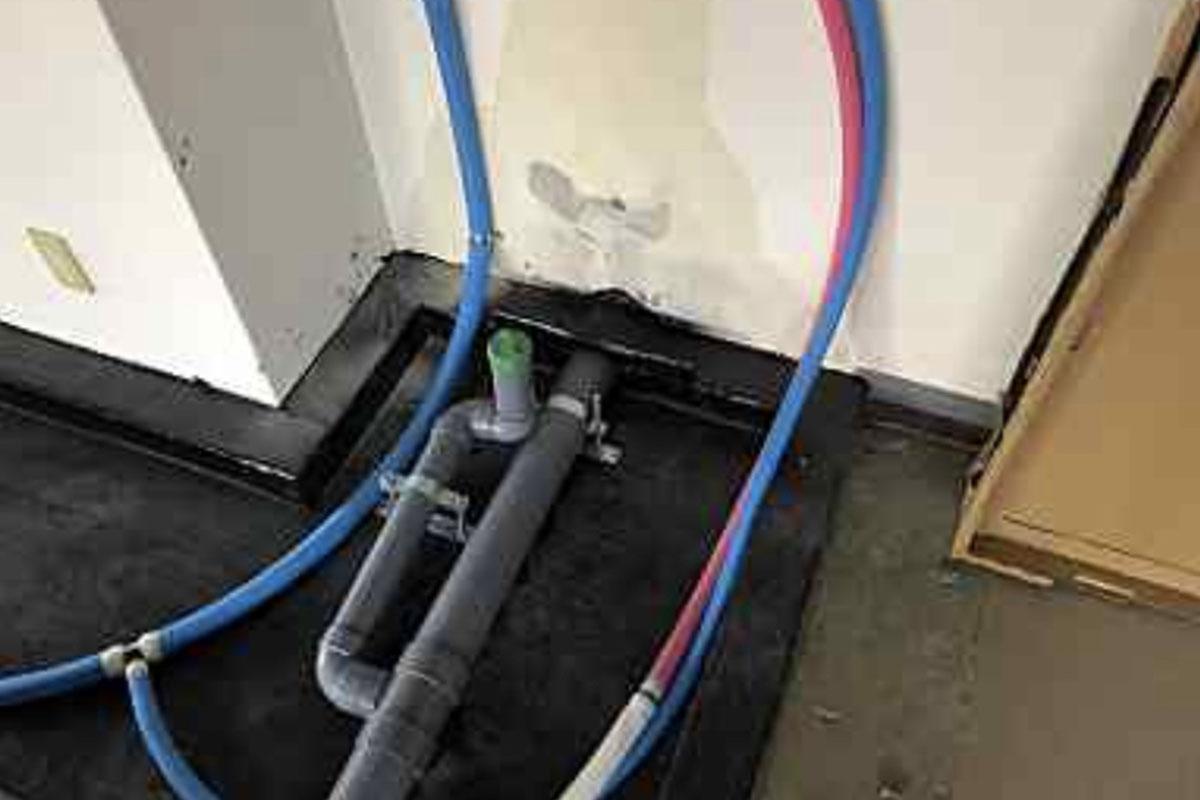 高槻市のエステサロンの防水設備の仕込み工事
