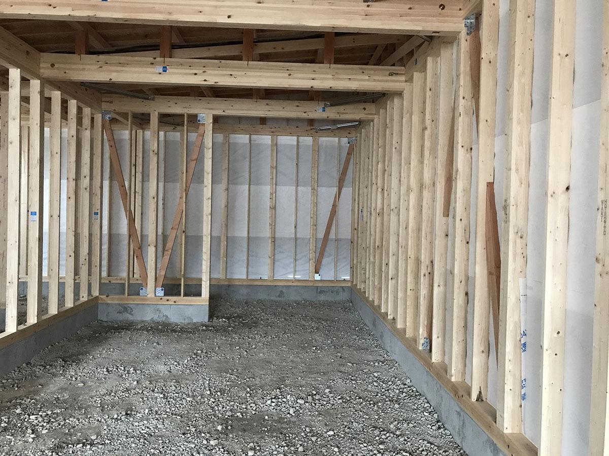 三木市の美容室・理容室の内装の土間・床工事