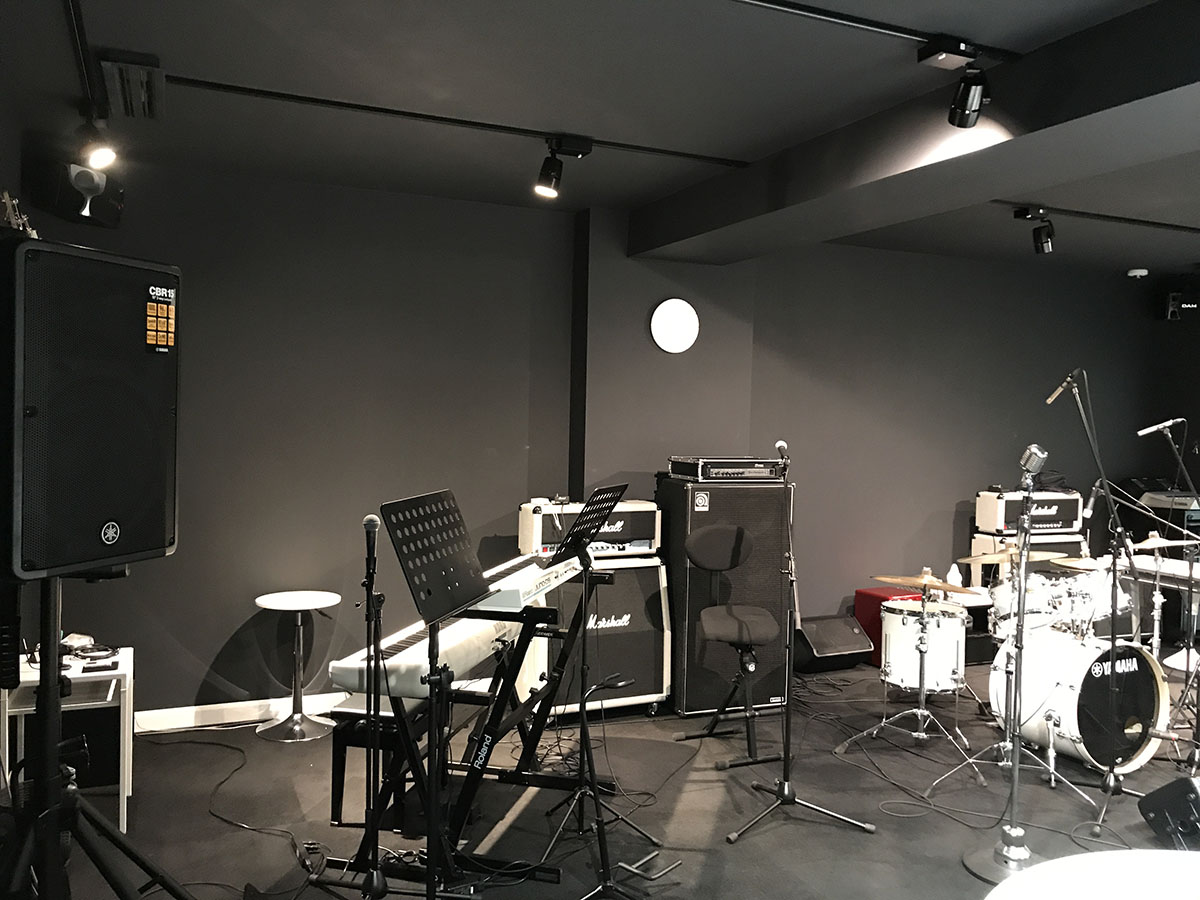 神戸市中央区三ノ宮でヨヨガスタジオ・ピラティススタジオの店舗設計・店舗デザイン・内装工事