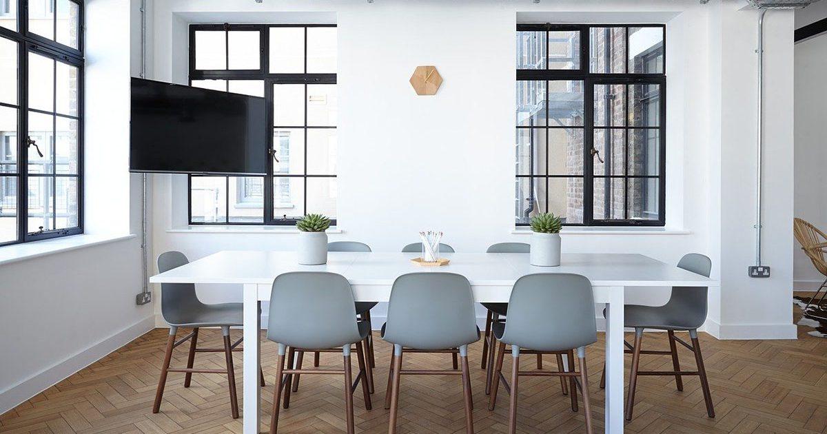 オフィスアレンジの新しい方法!DIYが生み出すオンリーワン空間